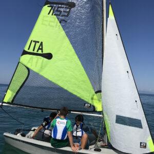 Foto Scuola di vela su barca RS FEVA Versilia