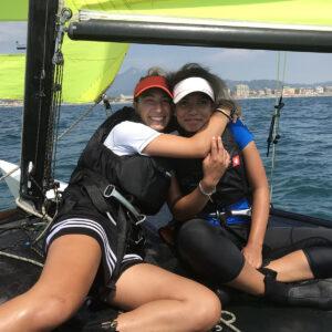 Foto ragazze corso agonisti scuola di vela in Versilia